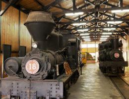 駛過百年的火車